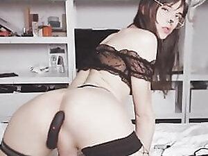 Pretty Bunny Tranny Slut Jerk herself Off